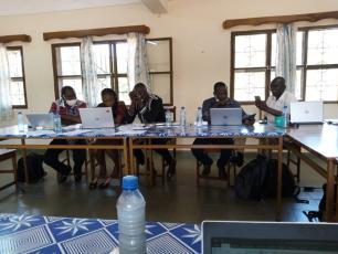 Workshop participants discuss plans in Banfora, December 2020