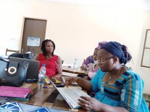 Workshop participants discussing in Banfora, December 2020