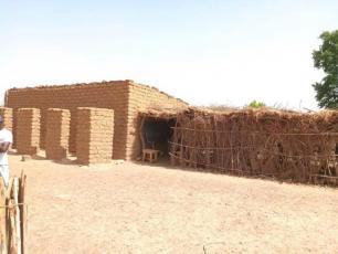 School toilet in Ouolondo (M. Kane, IRC Mali)