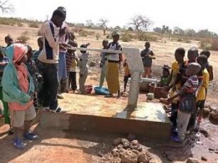 Work on a waterpump in Mali