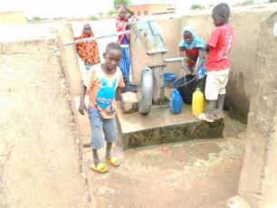 Une vue de PMH scolaires (O. Boukari, IRC Niger)
